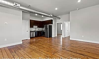 Living Room, 112 W Irvin St, 0