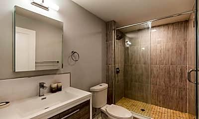 Bathroom, 2621 E Letterly St, 2