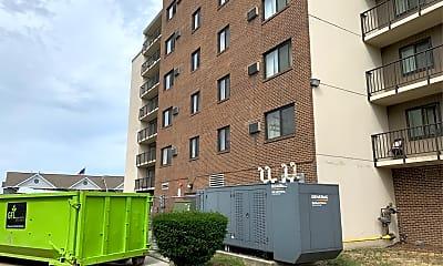 Bishop Gd Moore Apartments, 2