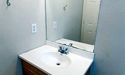 Bathroom, 939 Farmington Rd, 2