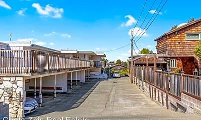 Building, 863 Walnut St, 2
