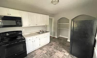 Kitchen, 121 E 14th St, 1