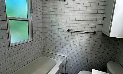 Bathroom, 1117 S Center Ave, 2