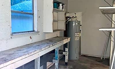 Kitchen, 205 Oak Ridge Dr, 2