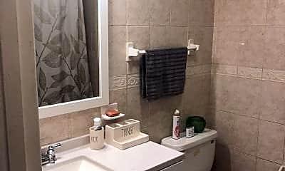 Bathroom, 84 Garfield Ave, 2