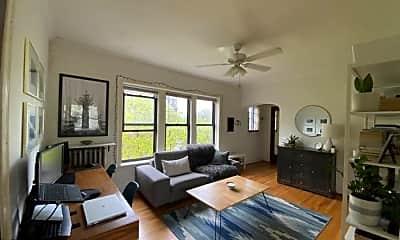 Living Room, 1645 W Cornelia Ave, 0