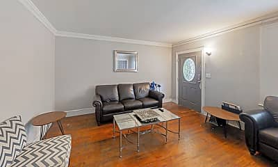 Living Room, Room for Rent -  a 3 minute walk to bus 813, 1