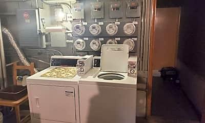 Kitchen, 5910 W Gunnison St G, 2