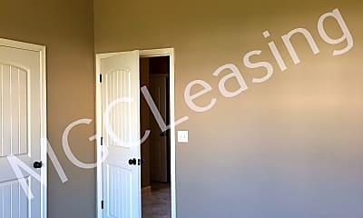 Bedroom, 512 N Foxridge Dr, 2