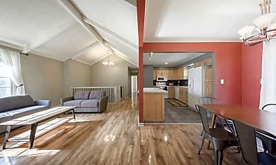 Living Room, 10442 Noland Rd, 1