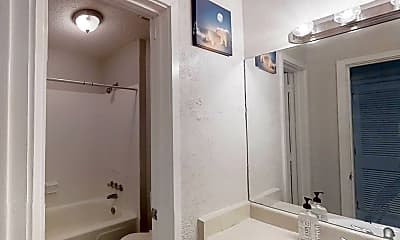 Bathroom, Room for Rent -  a 6 minute walk to bus stop Snapf, 1