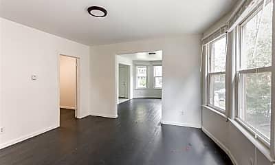 Living Room, 5243 Commonwealth St, 1