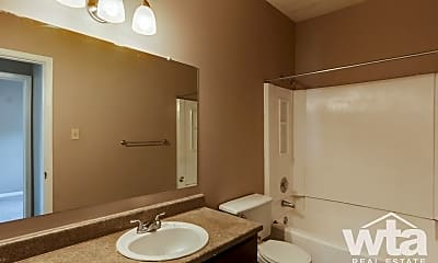 Bathroom, 1623 Aquarena Springs Dr, 2