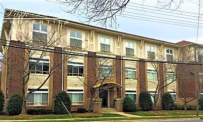 Building, 404 N. Laurel Ave #8, 0