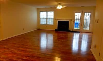 Living Room, 3902 Roebling Ln, 2