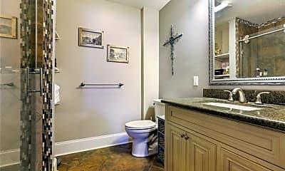 Bathroom, 137 Carondelet St 203, 2