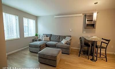 Living Room, 607 E White St, 1