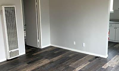 Living Room, 4001 33rd St, 0
