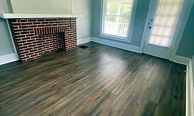 Living Room, 204 E Blake Ave, 0
