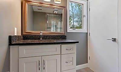 Bathroom, 530 Watergate Ct, 1