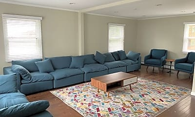 Living Room, 290 Lockwood Ave WINTER, 1