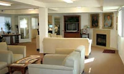 Zaninovich Apartments, 1