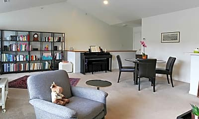 Living Room, Ivy Woods Apartments, 1