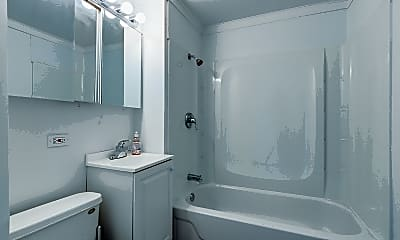 Bathroom, 3517 N Cicero Ave 1, 2