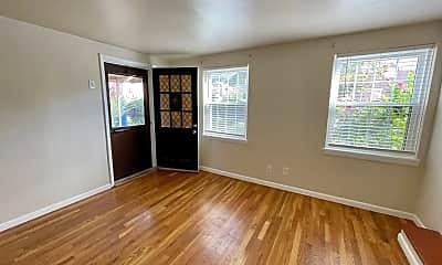 Living Room, 118 Victory Ln, 1