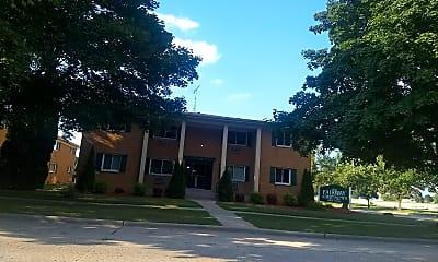Fairway Apartments, 1