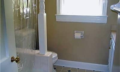 Bathroom, 3010 New Natchez Trace, 2