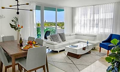 Living Room, 5101 Collins Ave B, 0
