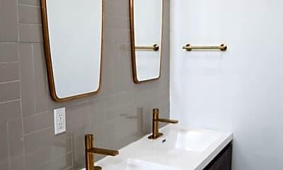 Bathroom, 2207 N Natrona St, 1