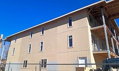 Building, 401 Linden St, 2