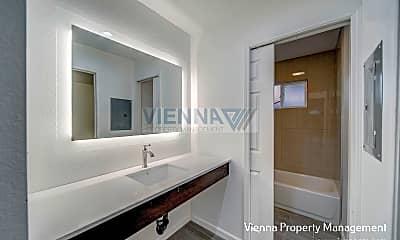 Bathroom, 1017 U Street #4, 2