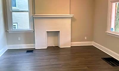 Living Room, 96 S Grandview Ave, 1