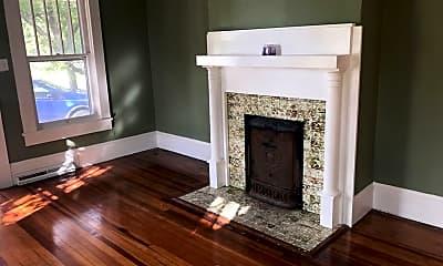Living Room, 815 Williams St, 1