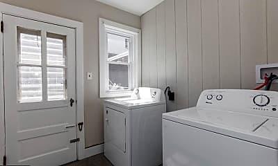 Bathroom, 1600 W 10th St 1, 2