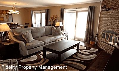 Living Room, 2120 E Lakewood St, 1