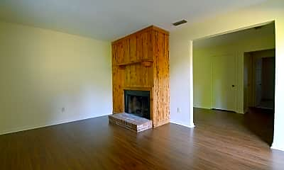 Living Room, 406 Glenview Dr, 1
