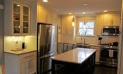 Kitchen, 418 E Pokagon St, 1