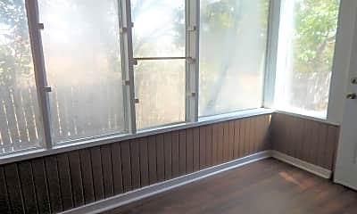 Patio / Deck, 1301 Wilson Rd, 2