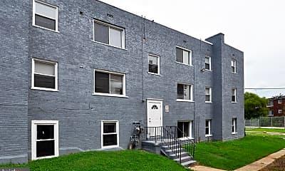 Building, 4246 6th St SE 3, 1