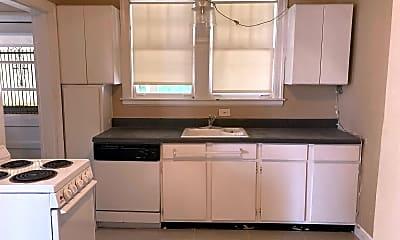 Kitchen, 3471 Spottswood Ave, 1