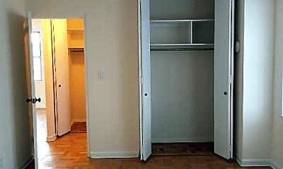 Bedroom, 303 W 45th St, 2