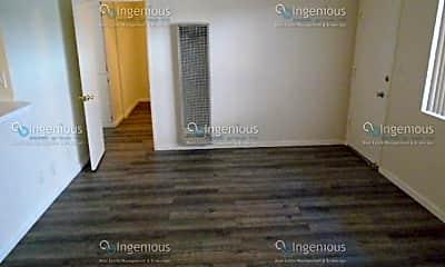 Living Room, 6415 Rosemead Blvd, 1