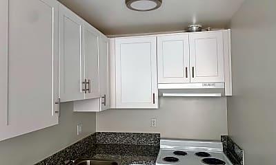 Kitchen, 319 S New Hampshire Ave, 1