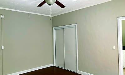 Bedroom, 407 S Kenmore Ave, 2