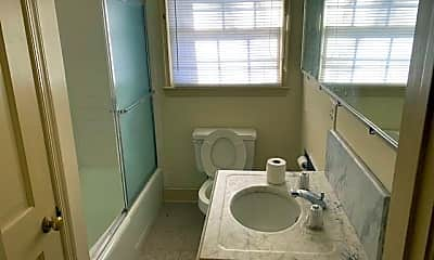 Bathroom, 1401 Kennel Rd, 2