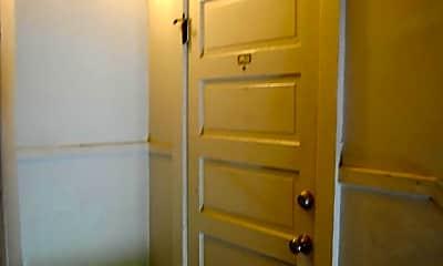 Bathroom, 715 Oak Hill Ave 2N, 1